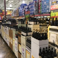 Photo taken at Total Wine & More by Esther B. on 8/4/2017