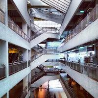 Foto scattata a Bras Basah Complex da [Calle] L. il 11/8/2012