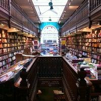 Foto tomada en Daunt Books por Gabo V. el 11/10/2012