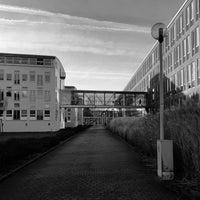 Das Foto wurde bei Deutsche Telekom Campus von XaB am 1/30/2018 aufgenommen