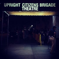 Foto tomada en Upright Citizens Brigade Theatre  por mm d. el 8/26/2013