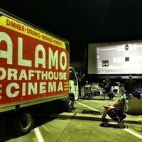 Foto tirada no(a) Alamo Drafthouse Cinema por Caleb M. em 11/17/2012