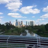 Снимок сделан в Buffalo Bayou Park пользователем Michael C. 3/24/2015