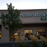 Photo taken at Barnes & Noble by Kevin R. on 9/16/2017