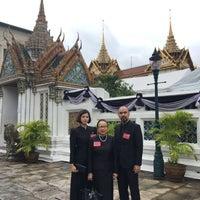 Foto tirada no(a) Dusit Maha Prasat Throne Hall por Nam N. em 5/17/2017