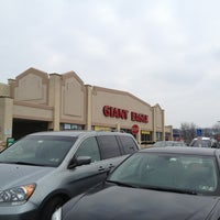 Photo taken at Giant Eagle Supermarket by Kathleen H. on 1/7/2013