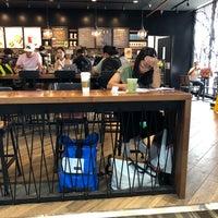 Foto tirada no(a) Starbucks por นักปั่นหุ่นหมี em 8/7/2018