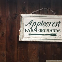 Photo taken at Applecrest Farm Orchards by Ashley R. on 9/1/2013