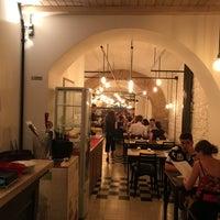 Foto scattata a Origano - cucina, pizza, caffè da Philip R. il 6/29/2017