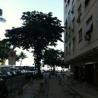 Foto tirada no(a) Oceano Copacabana Hotel por Marcio A. M. D. em 10/3/2012