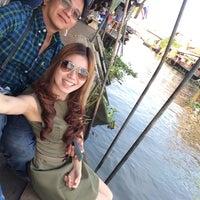 "Photo taken at Maikaew Damnoen Resort | Ratchaburi by ""A"" Chaturaphat on 12/29/2014"
