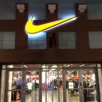 Photo taken at Nike Factory Store by Laerte M. on 2/22/2017