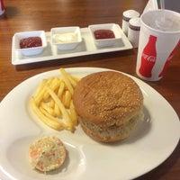 Photo taken at Toast'n Burger by Parham S. on 10/10/2015