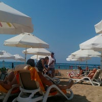 Photo taken at Sentido Private Beach by Jan Willem D. on 9/13/2016