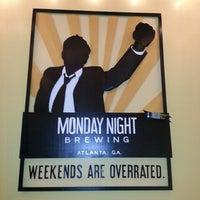 5/4/2013 tarihinde Ian D.ziyaretçi tarafından Monday Night Brewing'de çekilen fotoğraf
