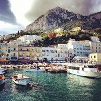 Foto scattata a Porto Turistico di Capri da Nick T. il 10/11/2012