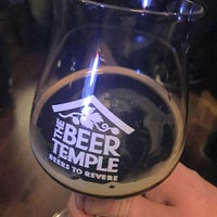 Photo prise au The Beer Temple Taproom par Kyle J. le11/15/2017