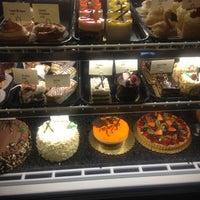 Foto tomada en Le Rêve Bakery & Café por JIM S. el 12/5/2012