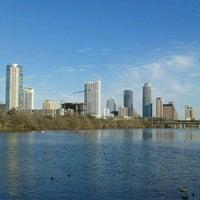 Photo prise au Zilker Park par Teresa R. le1/19/2013