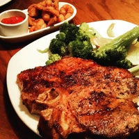 Photo taken at Outback Steakhouse by Chris M. on 9/4/2015