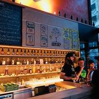 Das Foto wurde bei The International Beer Bar von William G. am 7/12/2018 aufgenommen