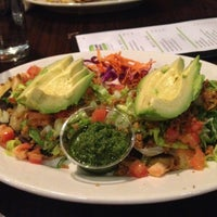 Foto tomada en Chicago Diner por Bart C. el 6/16/2013