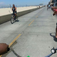 Photo prise au Hermosa Beach - The Strand par Troy O. le5/3/2013