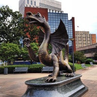 Photo taken at Drexel's Dragon by Paul 'DaddyBird' C. on 8/17/2013