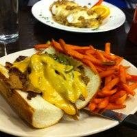 Foto diambil di Chicago Diner oleh Matt H. pada 4/4/2013