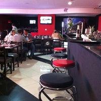 Foto tirada no(a) Sensei Lounge Sushi por Thiago L. em 10/5/2012