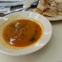 Photo taken at Restoran Malauwi by haswadi h. on 6/7/2014
