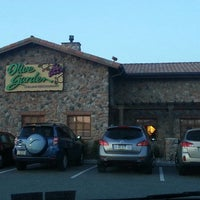 Photo taken at Olive Garden by wayne b. on 3/30/2013