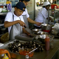 Photo taken at Mercado de Sauces 9 by Carlos R. on 4/6/2013
