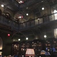 Снимок сделан в The Bar Room at Temple Court пользователем xq 11/25/2017