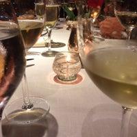 Foto tomada en St. Regis Restaurante por Alan P. el 5/16/2014