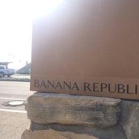 Photo taken at Banana Republic by momoe o. on 2/29/2016