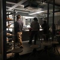 3/14/2018 tarihinde Mayumi O.ziyaretçi tarafından Pâtisserie Asako Iwayanagi'de çekilen fotoğraf