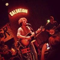 Foto tirada no(a) Bootleg Bar & Theater por Dave S. em 5/5/2013