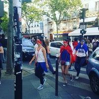 Photo taken at Papeterie Librairie De L'ecole Militaire by miuca y. on 6/19/2016