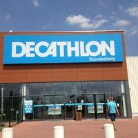Photo taken at Decathlon Szombathely by Vézna® on 7/10/2013