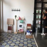 Foto scattata a MOK Specialty Coffee Roastery & Bar da meyco il 9/3/2018