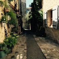 Photo taken at Vaison-la-Romaine by Esther d. on 8/1/2016