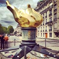 5/9/2013 tarihinde Lidia S.ziyaretçi tarafından Flamme de la Liberté'de çekilen fotoğraf