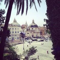 Foto tomada en Piazza del Popolo por Lidia S. el 4/30/2013