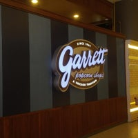 Photo taken at Garrett Popcorn Shops by Tatthep D. on 1/29/2014