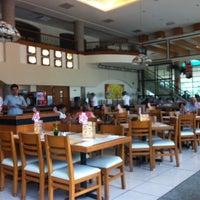 Photo taken at Panama Restaurant y Pasteleria by Gabriel G. on 10/16/2012