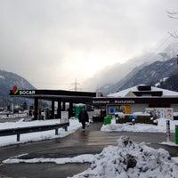 Das Foto wurde bei Gotthard Raststätte von Ville R. am 2/8/2015 aufgenommen