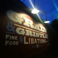 Foto tomada en Grain & Gristle por Jennifer S. el 5/22/2013