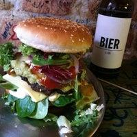 Das Foto wurde bei Berlin Burger International von Chris L. am 9/19/2012 aufgenommen
