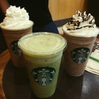 Photo taken at Starbucks by Pimphan on 4/3/2017